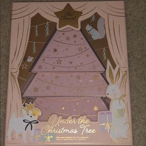 Too faced under the Christmas tree bundle
